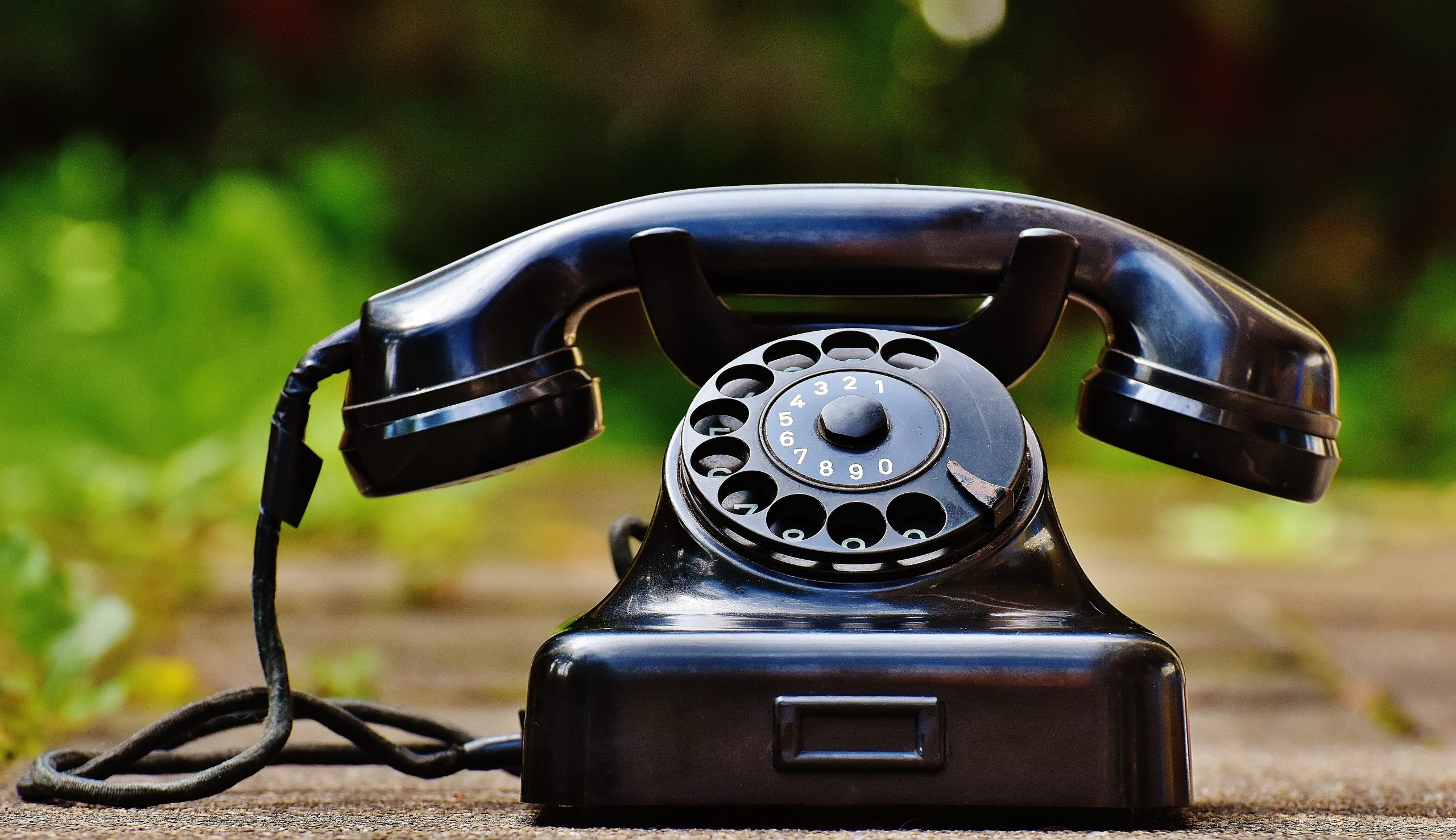 traditional client acquisition for financial advisors involved cold calling